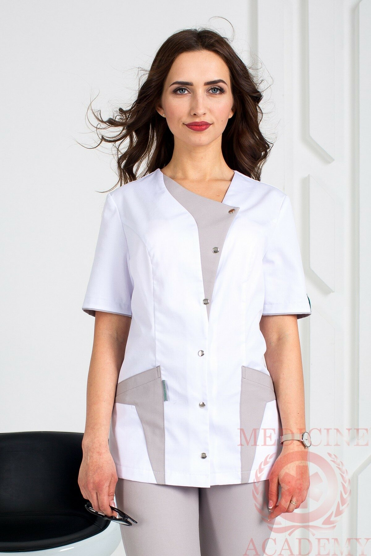 Блуза с серыми деталями пф014серые