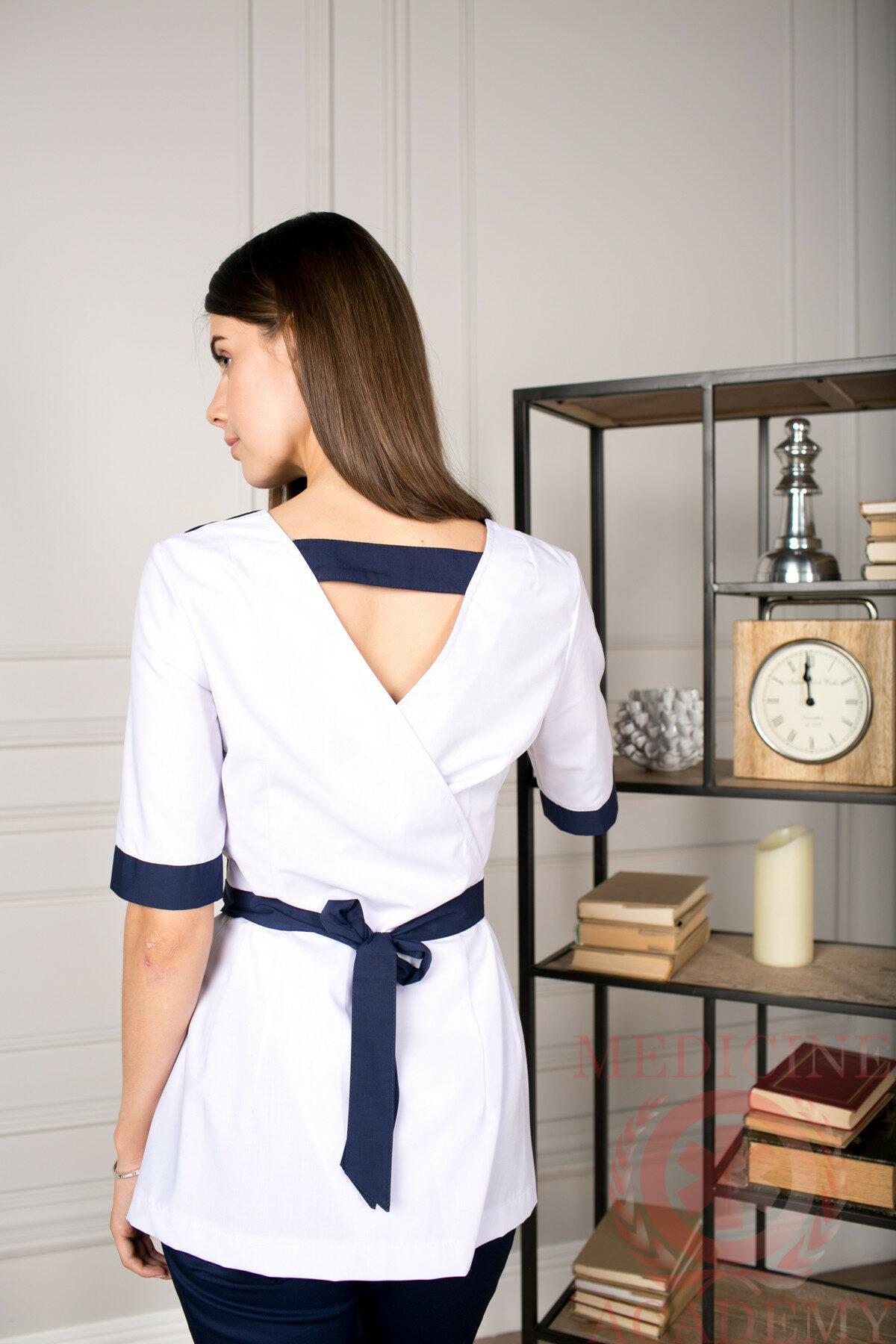 Блуза с запахом сзади