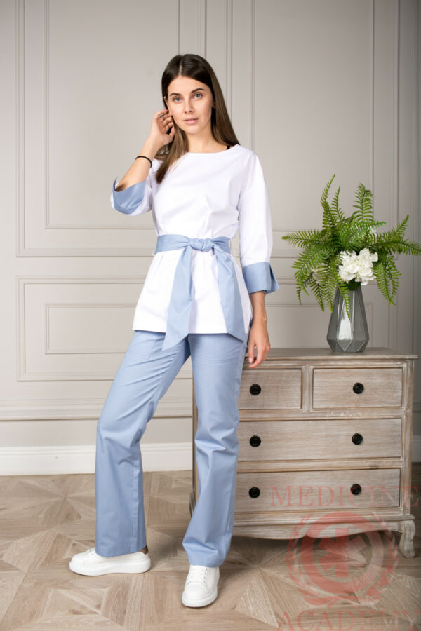 Блуза с широким манжетом с серо-голубой отделкой