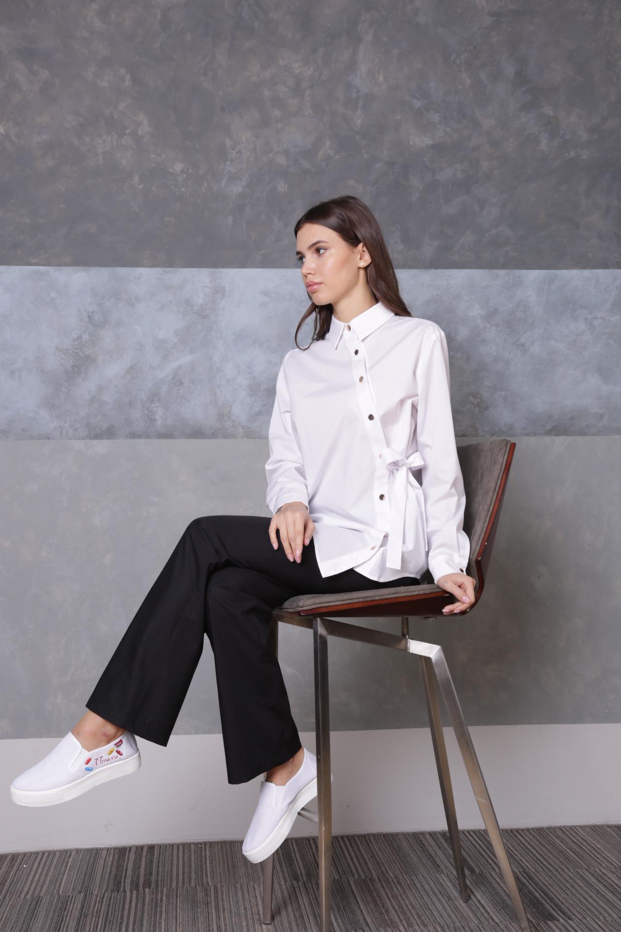 Блуза с ассиметричной застежкой белая пф040б 77ma.ru Medicine-Academy