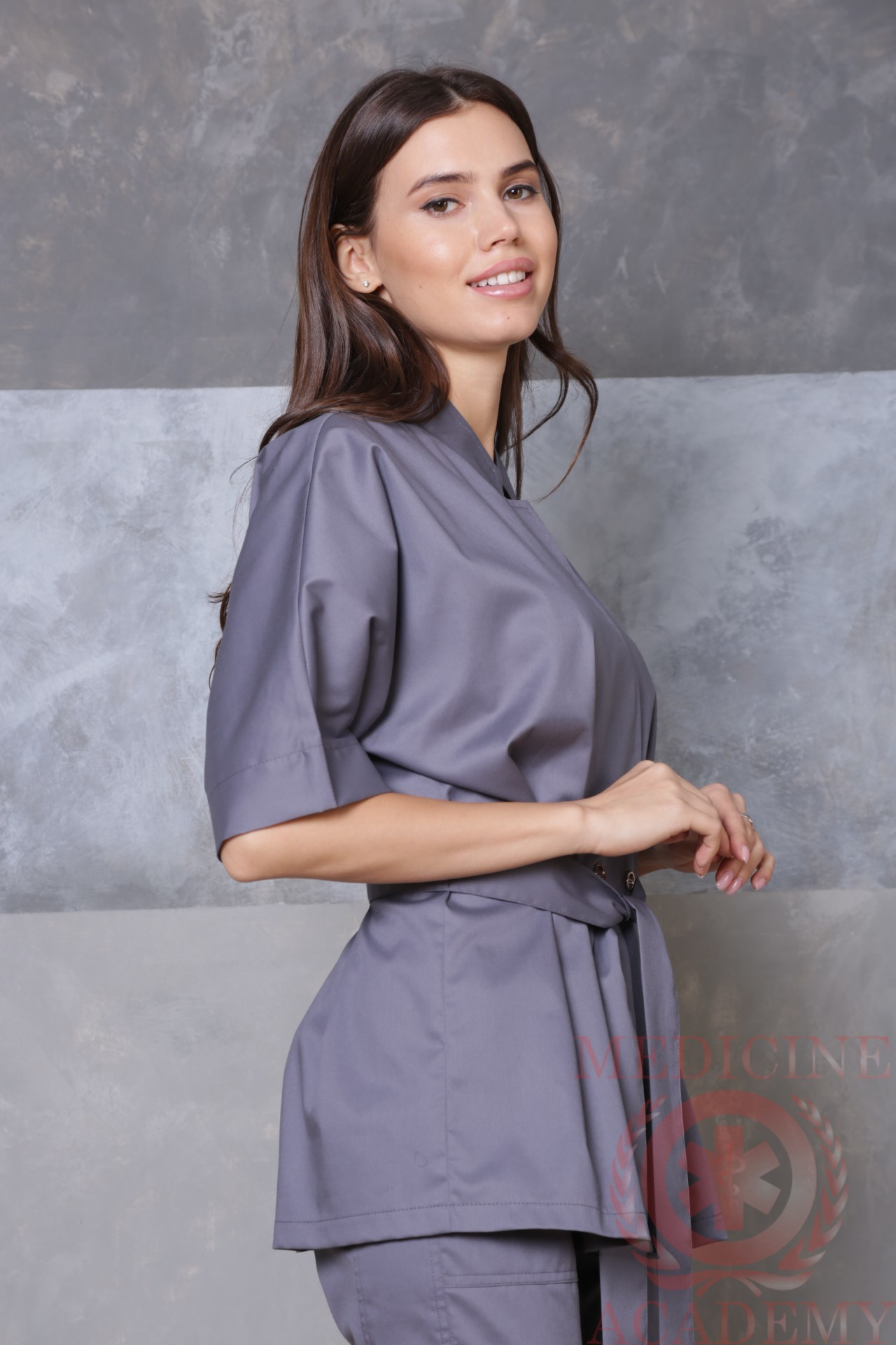 Медицинская блуза с цельнокроенным рукавом темно-серая пф038тс 77ma.ru Medicine-Academy
