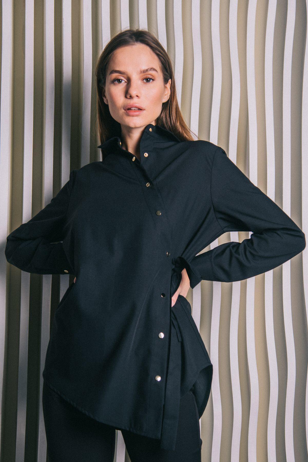 Блуза с ассиметричной застежкой черная пф040ч 77ma.ru