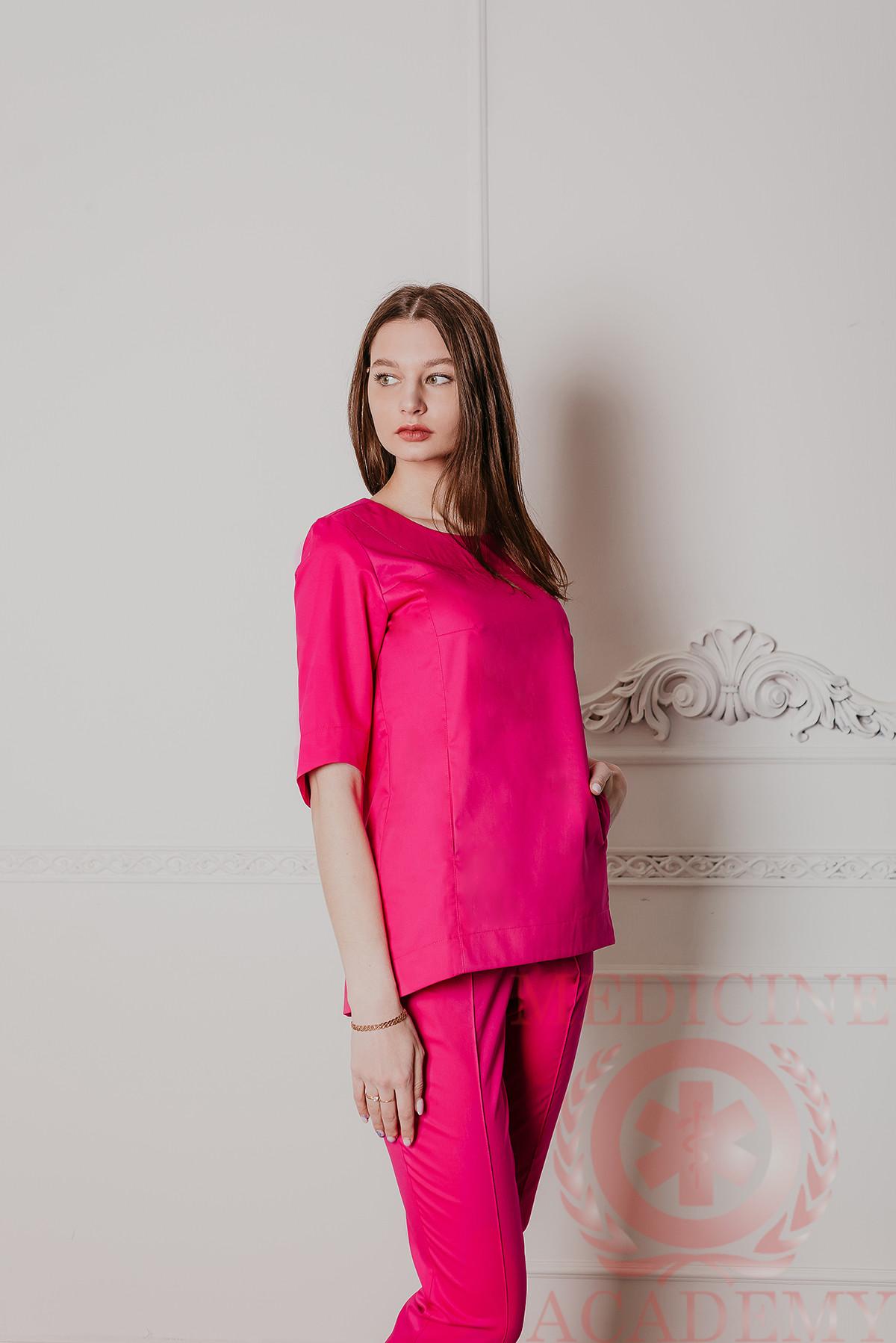 Блуза с фигурным низом маджента