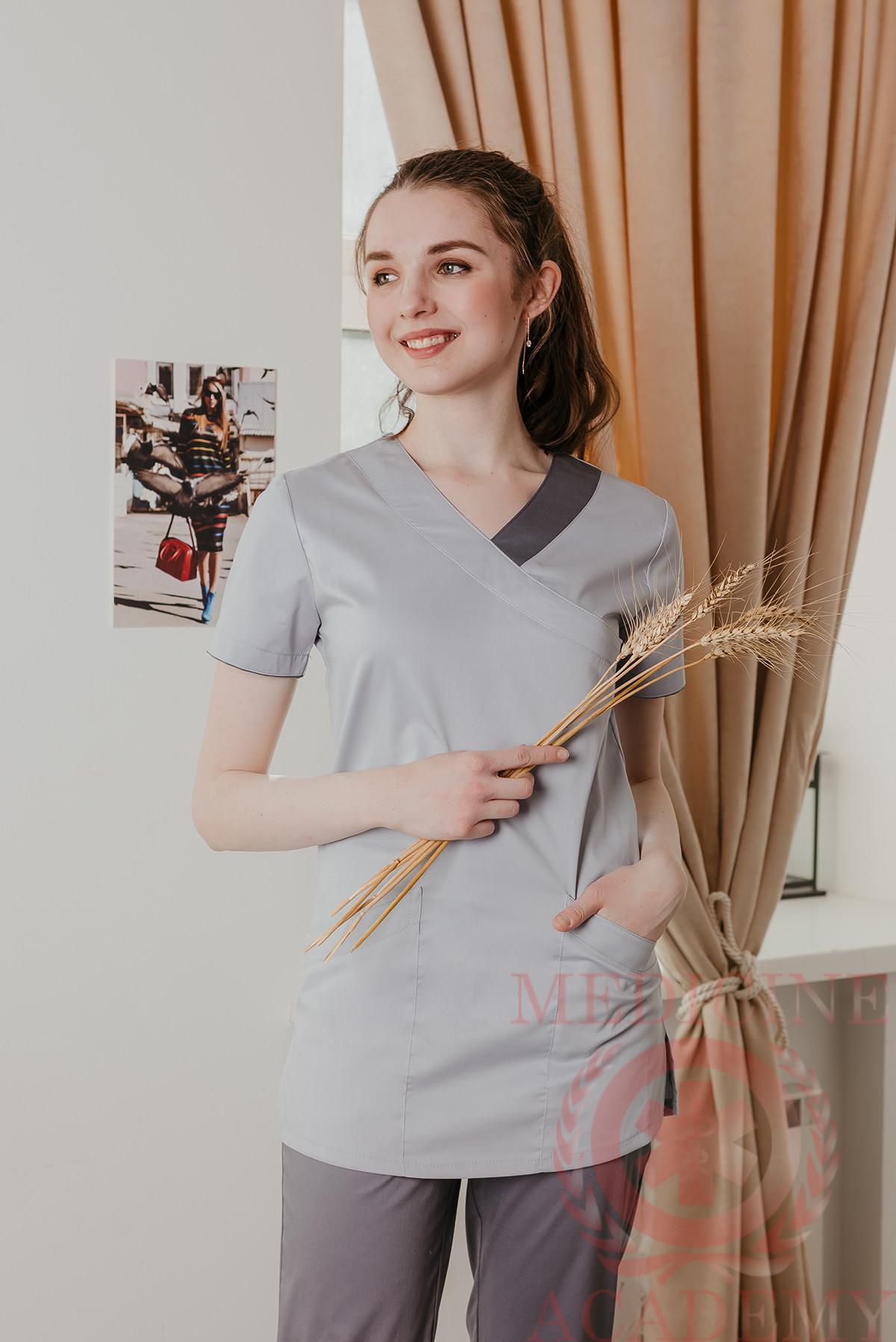 Хирургичка с фигурными карманами жемчужно-серая