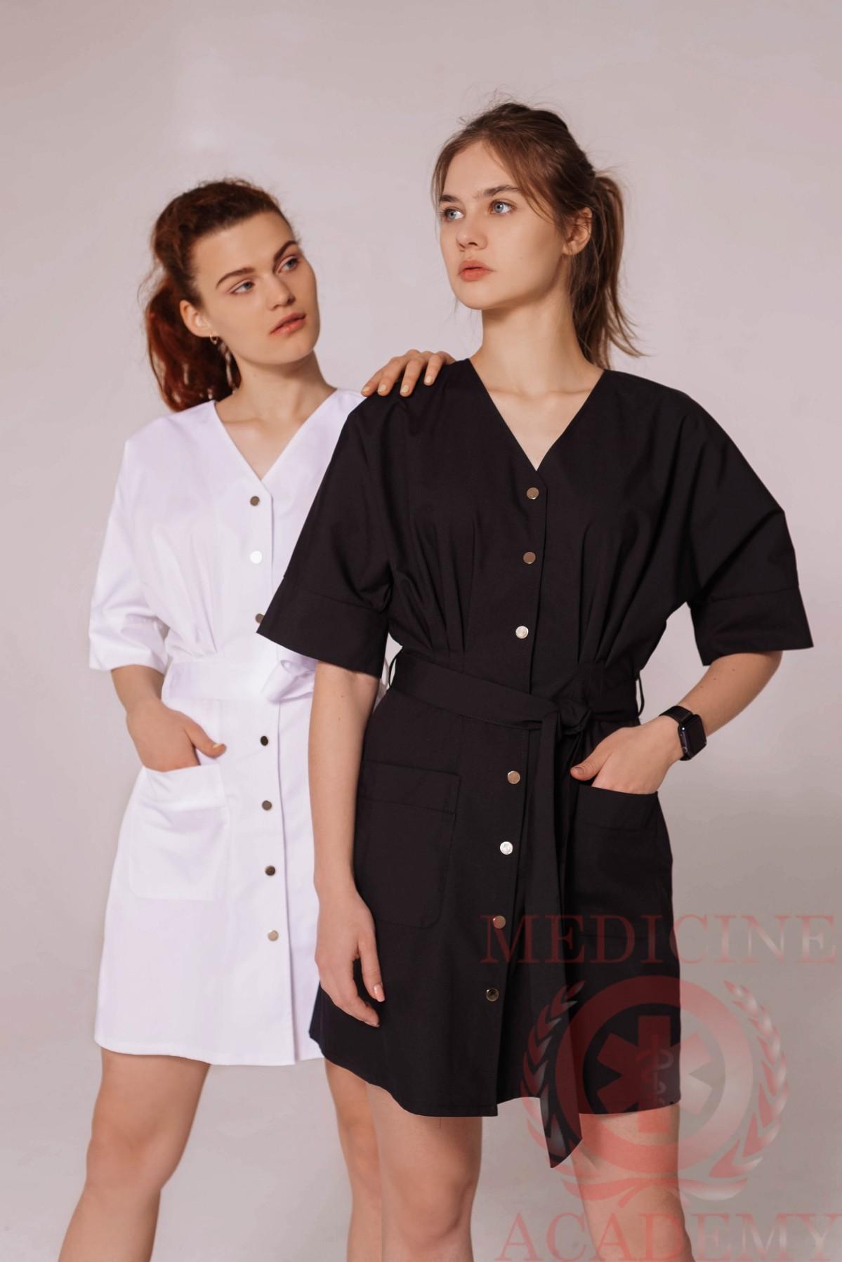Медицинский халат с резинкой на спине черный