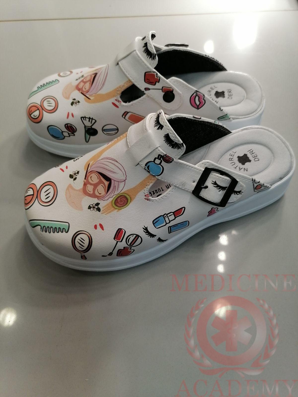 Женская медицинская обувь